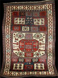 """""""Negozio"""" di tappeti in Tiflis – fine XIX inizi XX secolo."""